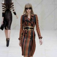 Edie Campbell - Cara Delevingne 1,London Fashion Week Spring Summer 2012 - Burberry Prorsum - Catwalk