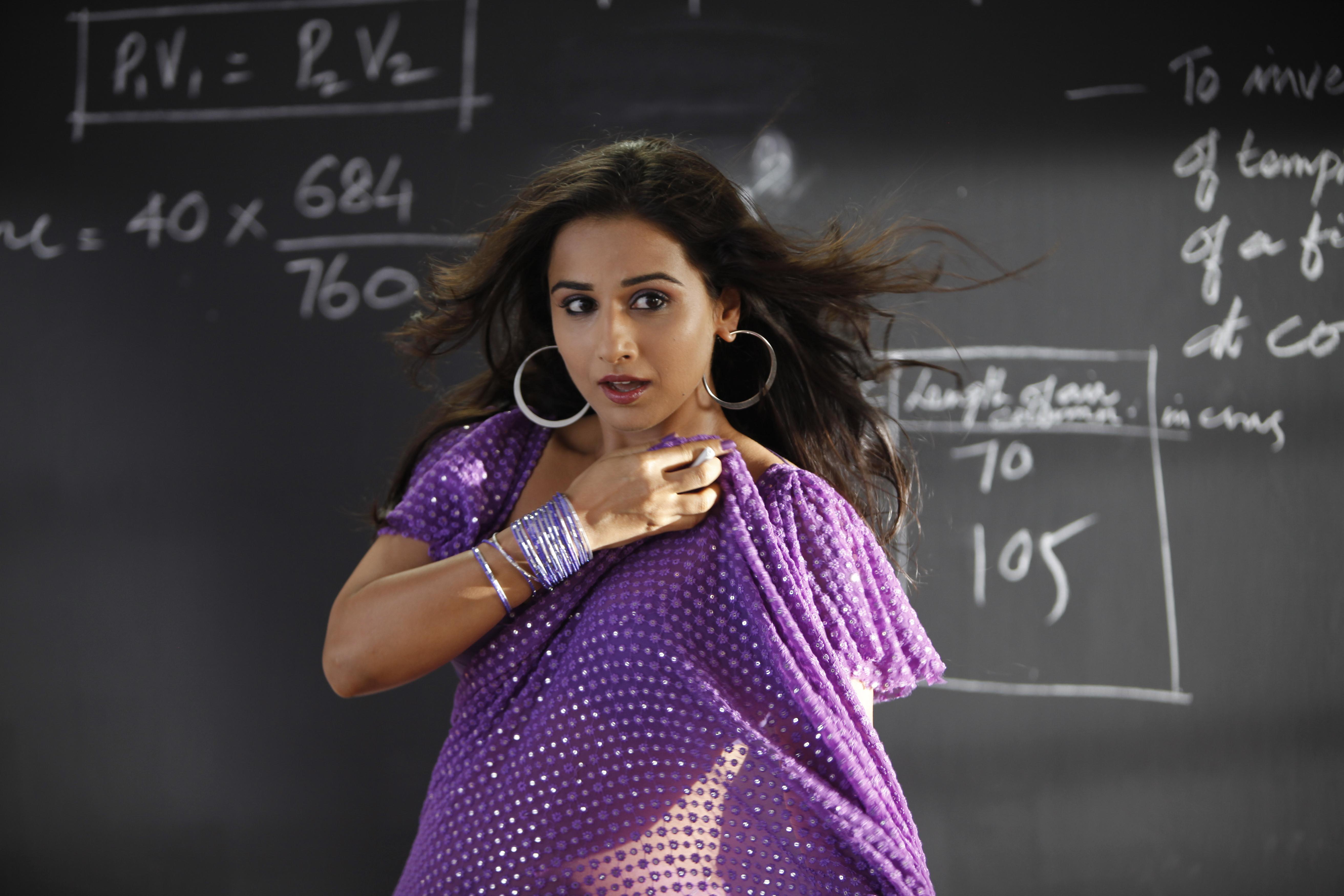 Vidya Balan - The Dirty Picture Hot Movie Stills-6174