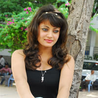 Sneha Ullal in the sets of  Madatha Kaj pictures | Picture 56459