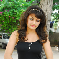 Sneha Ullal in the sets of  Madatha Kaj pictures | Picture 56468