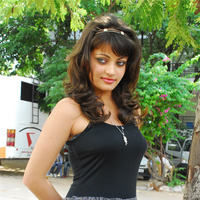 Sneha Ullal in the sets of  Madatha Kaj pictures | Picture 56470