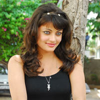 Sneha Ullal in the sets of  Madatha Kaj pictures | Picture 56474